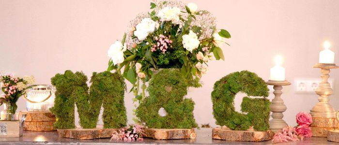 m y g letras con flores